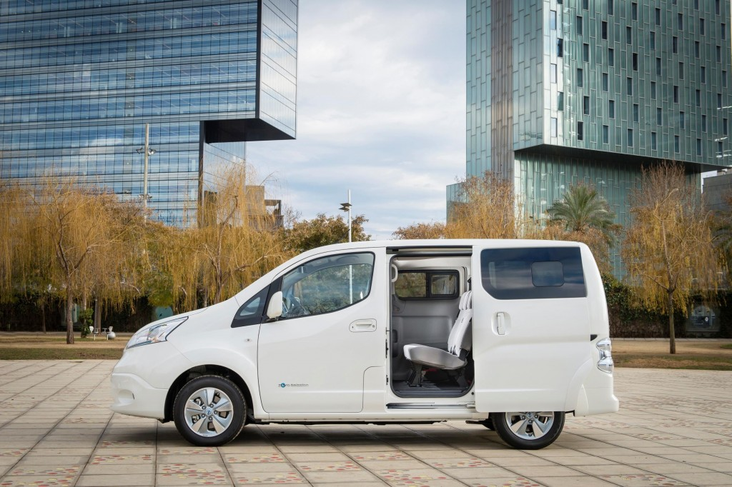 1450933_426205630_Nissan_world_premiere_of_new_longer_range_e_NV200_van